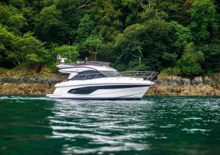 f45-exterior-white-hull-11.jpg