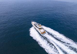 s66-exterior-white-hull-02.jpg