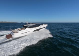 v78-exterior-white-hull-07.jpg