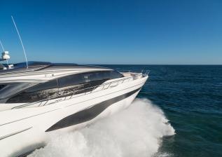 v78-exterior-white-hull-08.jpg