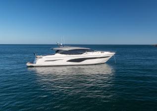 v78-exterior-white-hull-11.jpg