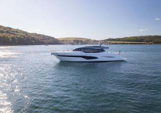 v78-exterior-white-hull-12.jpg