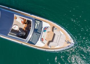 v78-exterior-white-hull-19.jpg