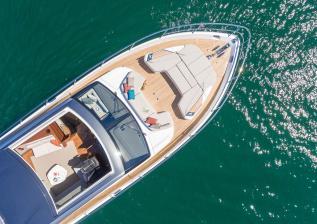 v78-exterior-white-hull-18.jpg