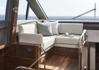 v78-interior-helmside-seating-walnut-gloss.jpg