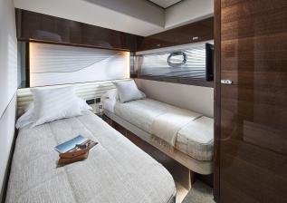 v78-interior-port-guest-cabin-walnut-gloss.jpg