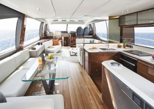 v78-interior-saloon-walnut-gloss.jpg