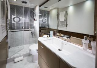 v65-interior-owners-bathroom.jpg