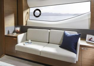 v65-interior-owners-stateroom-detail.jpg