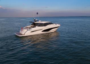v60-exterior-white-hull-14.jpg