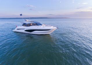 v60-exterior-white-hull-13.jpg