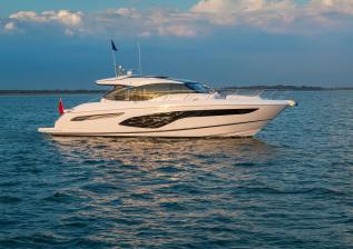 v60-exterior-white-hull-15.jpg