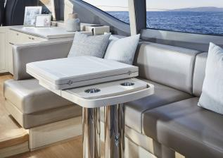 v60-interior-dining-area-table-folded-alba-oak-satin.jpg