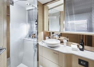 v60-interior-forward-cabin-bathroom-alba-oak-satin.jpg
