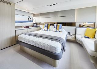 v60-interior-owners-stateroom-alba-oak-satin.jpg