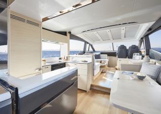 v60-interior-saloon-blinds-closed-alba-oak-satin.jpg