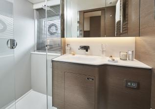 v55-interior-owners-bathroom-silver-oak-satin.jpg