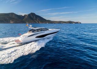 v50-open-exterior-white-hull-4a.jpg