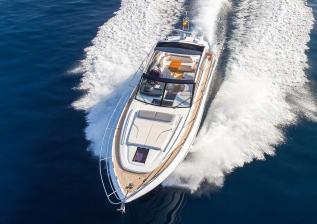v50-open-exterior-white-hull-10a.jpg