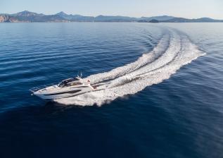 v50-open-exterior-white-hull-11a.jpg