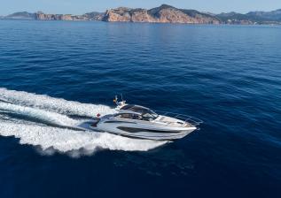 v50-open-exterior-white-hull-14a.jpg