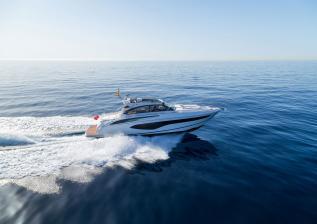 v50-open-exterior-white-hull-16a.jpg