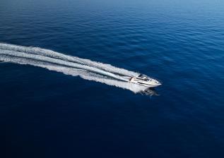 v50-open-exterior-white-hull-17a.jpg