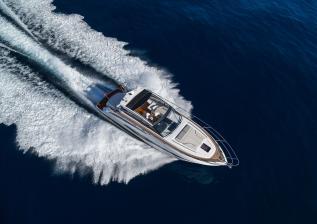 v50-open-exterior-white-hull-15a.jpg