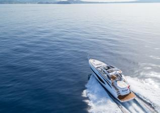 v50-open-exterior-white-hull-19a.jpg