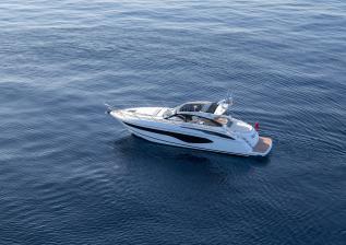 v50-open-exterior-white-hull-21a.jpg