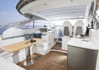 v40-exterior-main-deck-2.jpg