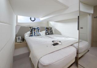 v40-interior-aft-cabin-beds-together-alba-oak-satin.jpg
