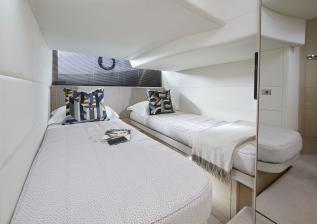 v40-interior-aft-cabin-alba-oak-satin.jpg