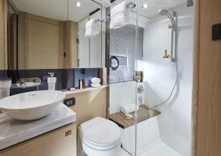 v40-interior-bathroom-alba-oak-satin.jpg