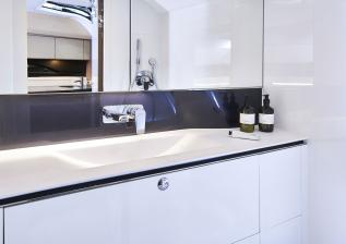 r35-bathroom.jpg