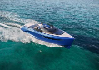 r35-exterior-running-electric-blue-v2.jpg