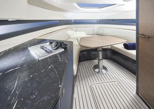 r35-interior-saloon.jpg
