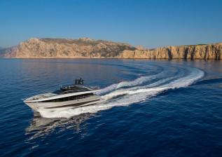 y95-exterior-silver-hull-02.jpg
