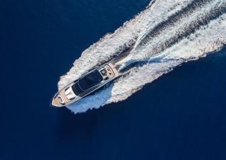 y95-exterior-silver-hull-04.jpg