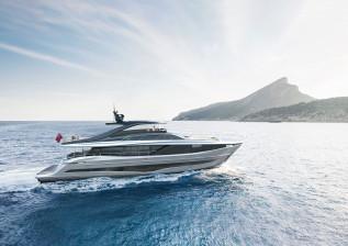 y95-exterior-silver-hull-06.jpg
