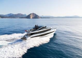 x80-exterior-white-hull-cgi-2.jpg