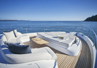 y72-exterior-bow-seating-1.jpg