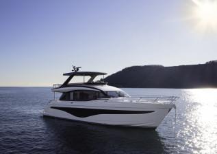 y72-exterior-white-hull-5-v2.jpg