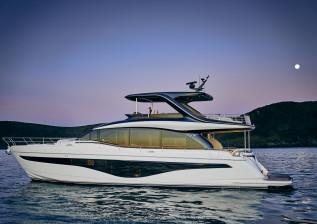 y72-exterior-white-hull-7-v2.jpg