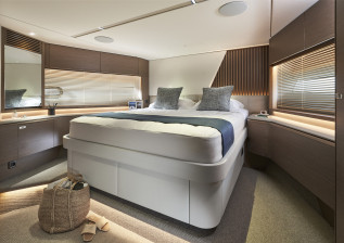 y72-interior-forward-cabin.jpg