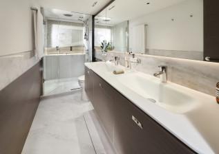 y72-interior-master-stateroom-bathroom.jpg