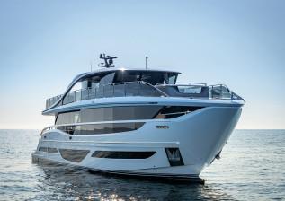 x95-exterior-white-hull-2.jpg