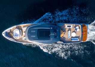 x95-exterior-white-hull-5.jpg