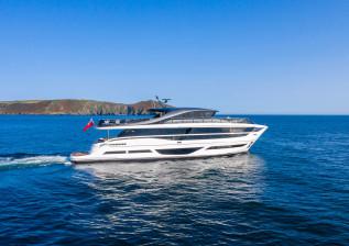 x95-exterior-white-hull-7.jpg