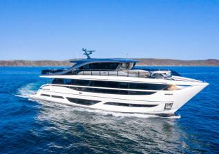 x95-exterior-white-hull-6.jpg
